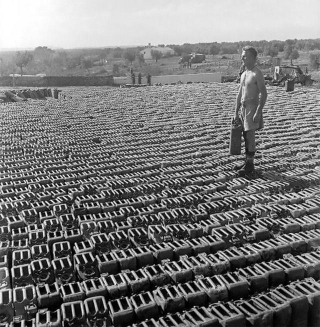 1943_uj-zelandi_katona_a_brit_hadsereg_ellatasi_bazisan_1943_olaszorszag.jpeg