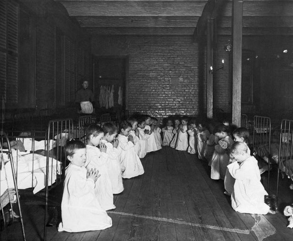1889_prayer_time_in_the_nursery_five_points_house_of_industry_new_york.jpg