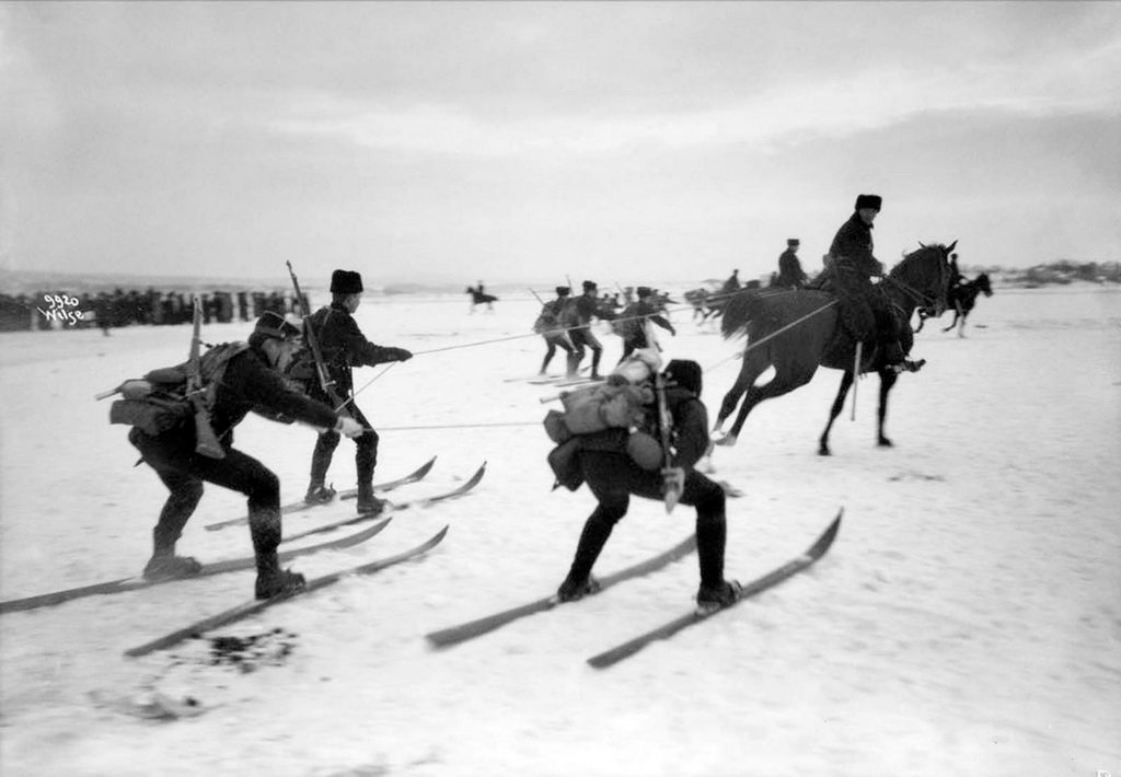 1909_skijoring_in_norway.jpg