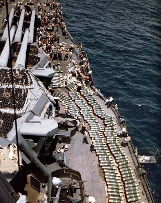 1944_troops_and_projectiles_line_the_deck_of_the_battleship_uss_new_mexico_invasion_of_guam.jpg