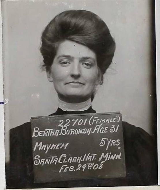 1907_bertha_boronda_a_sulyos_testi_sertesert_elitelt_kaliforniai_asszony_aki_egy_borotvaval_levagta_parja_ferfiassagat.jpg