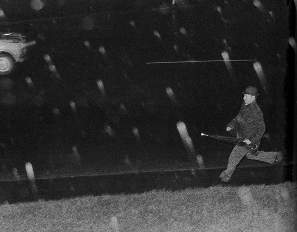 1974_a_kgb_agent_runs_through_the_night_to_escape_capture_in_wellington_new_zealand.jpg