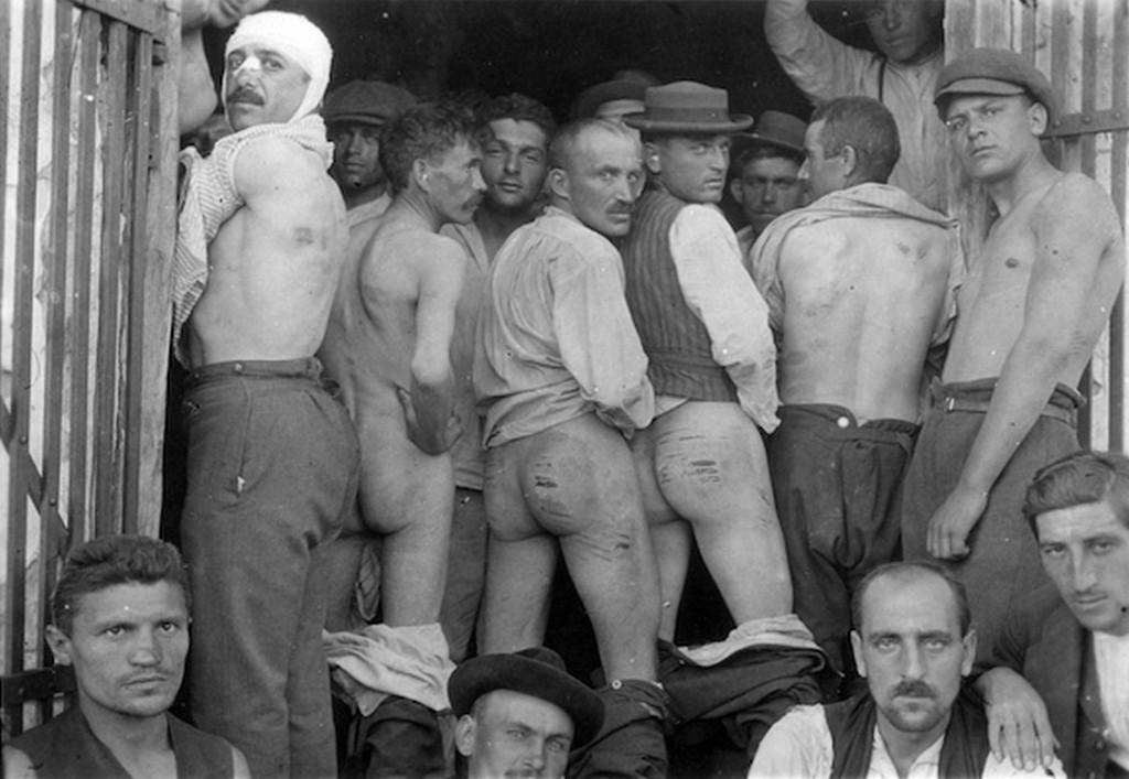 1919_kommunistak_a_maglodi_internalotaborban_a_tanacskoztarsasag_bukasa_utan_cr.jpg