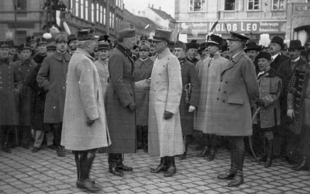 1921_december_16_sopron_atvetele_a_nepszavazast_ellenorzo_bizottsagtol_east_news_newsreel_felvetel_cr.jpg