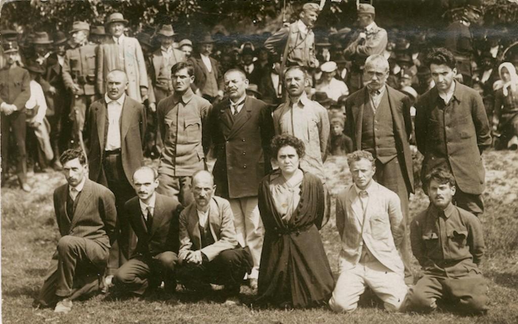1919_a_tolna_megyei_direktorium_tagjai_kivegzesuk_elott_cr.jpg