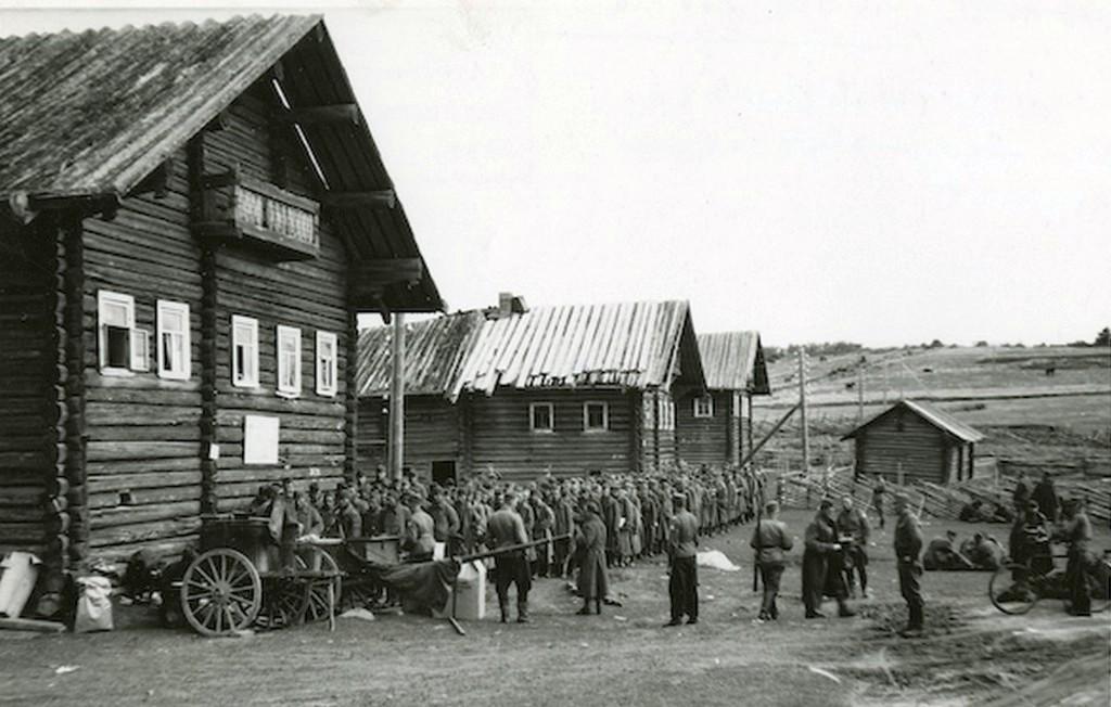 1941_szovjet_hadifoglyok_egy_finn_fogolytaborban_cr.jpg