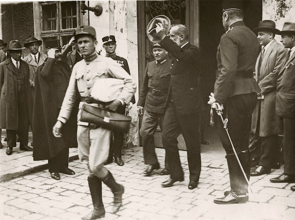 1926_nadosy_imre_volt_fokapitany_tavozik_a_frankhamisitasi_per_kihallgatasarol.jpg
