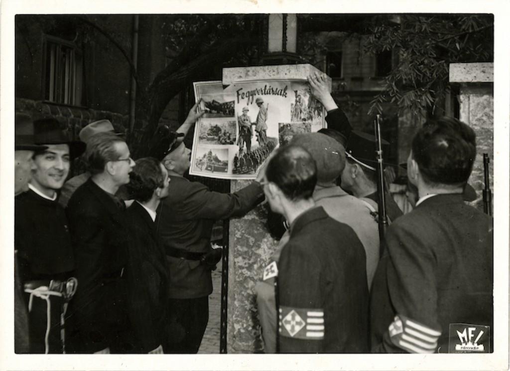 1944_oktober_nyilasok_a_hatalomatvetel_utan_koztuk_kun_pater.jpg