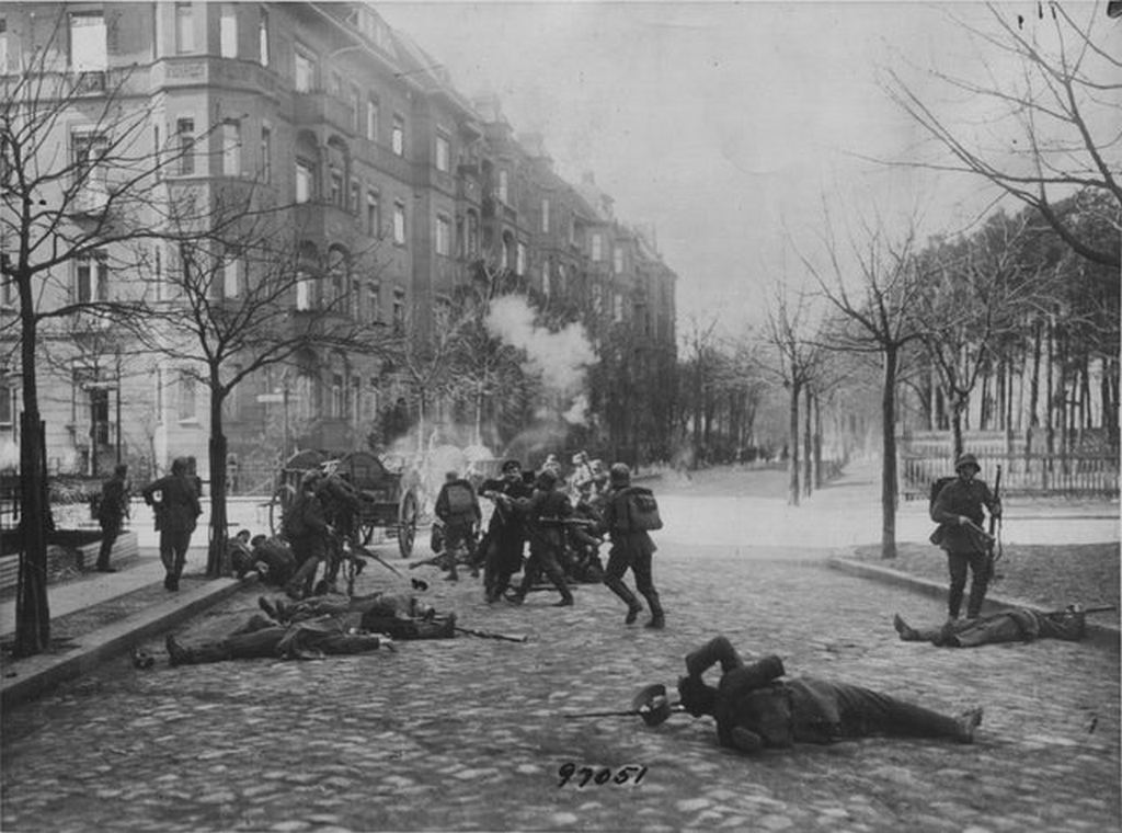 1919_close_quarters_combat_between_soldiers_of_the_german_freikorps_and_spartacist_rebels_january_uprising_berlin.jpg