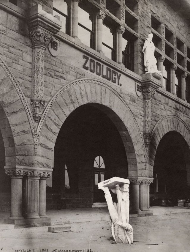 1906_the_statue_of_louis_agassiz_a_swiss-american_biologist_after_the_1906_san_francisco_earthquake.jpg