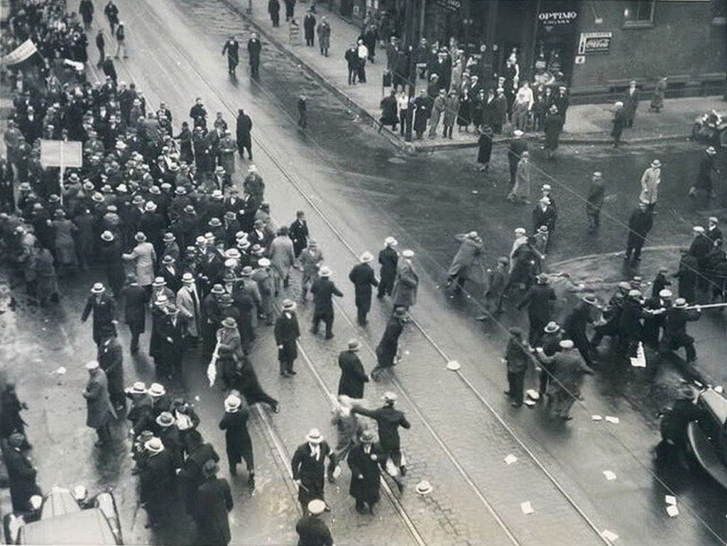 1933_december_activists_spreading_awareness_of_the_holodomor_in_ukraine_are_attacked_by_communist_supporters_and_sympathizers_chicago.jpg