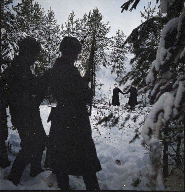 1941_execution_of_two_soviet_spies_in_povenets_karelia.jpg