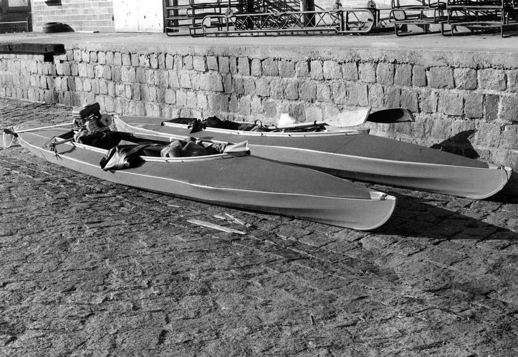 1982_nyaran_ket_huszoneves_srac_sikertelenul_probalt_zinnowitzbol_a_balti-tengeren_at_eljutni_a_100_kilometerre_fekvo_sved_bornholm_szigetre_kajakokkal.jpg