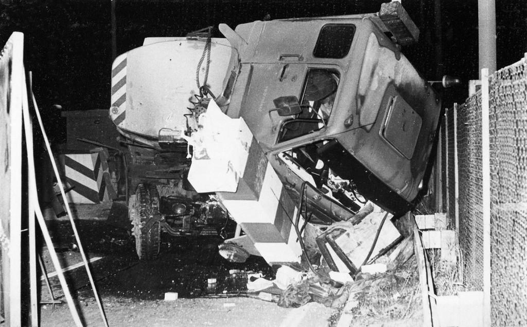 1983_gescheiterte_flucht_mit_einem_tanklastwagen_am_grenzubergang_marienborn2.jpg