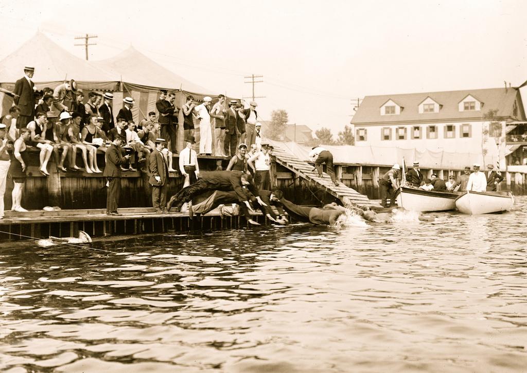 1912_coney_island_swimming_race_in_street_clothing.jpg