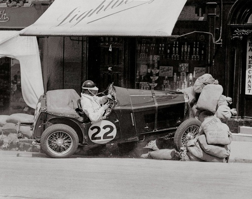 1935_international_ulster_trophy_road_race_organised_by_the_ulster_automobile_club_in_bangor_in_the_irish_county_down.jpg