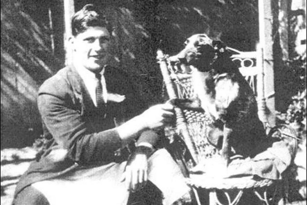 1937_bluey_an_australian_cattle_dog_is_recorded_in_the_guinness_book_of_world_records_as_the_oldest_dog_to_ever_live_bluey_lived_to_be_29_years_5_months_old_and_lived_from_1910_to_1939.jpg