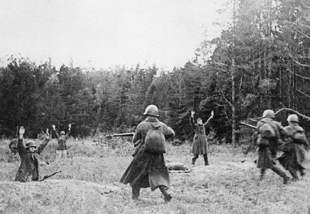 1944_german_soldiers_surrender_to_advancing_red_army_during_operation_bagration.jpg