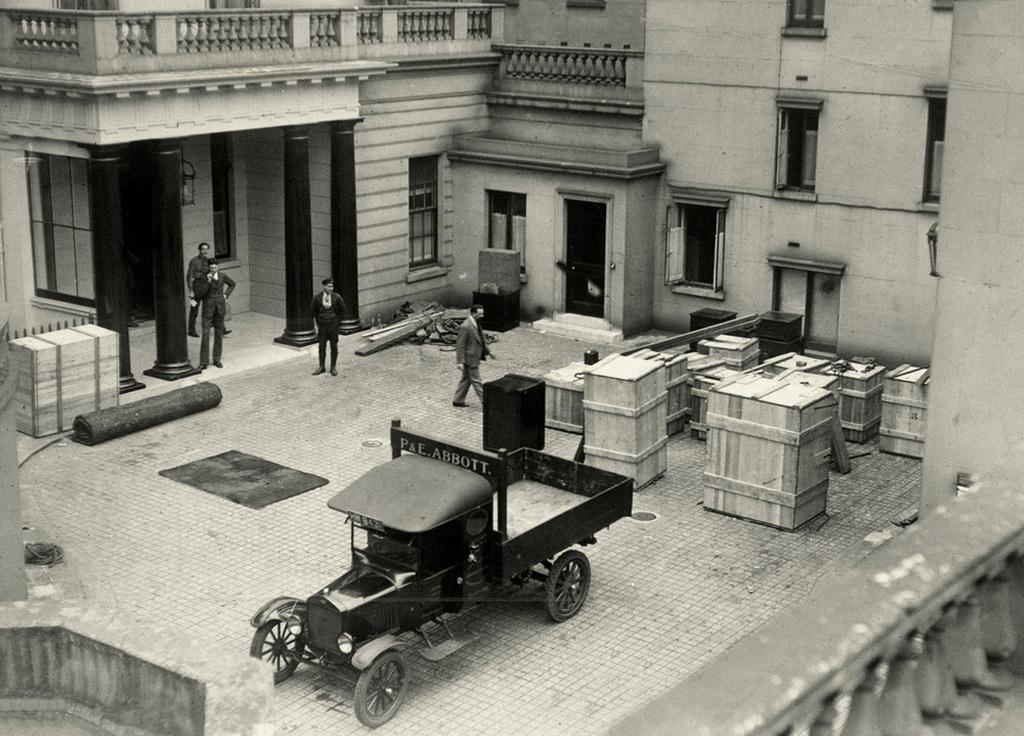 1927_abbruch_der_diplomatischen_beziehungen_zur_sowjetunion_wegen_unterstutzung_des_generalstreiks_in_england.jpg