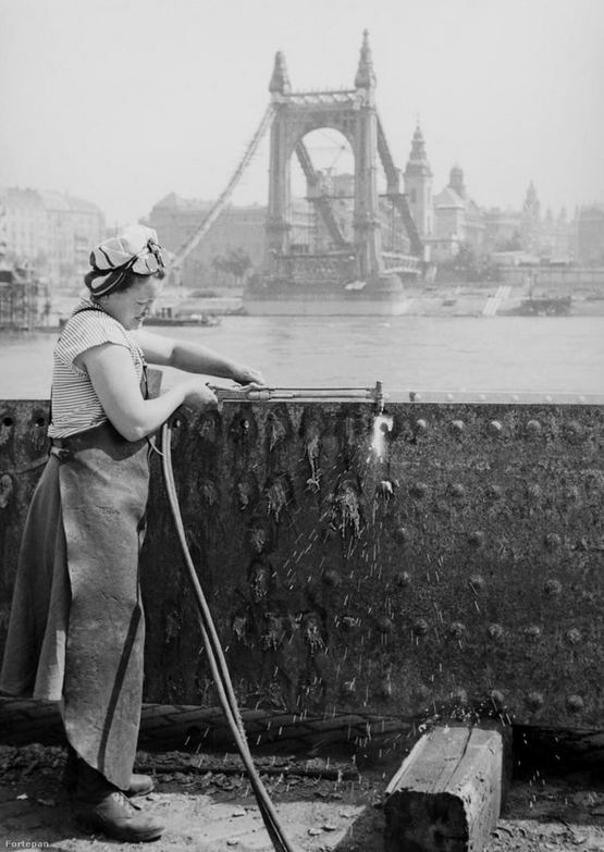 1949_woman_using_a_flame_cutter_in_1949_budapest_hungary.jpg