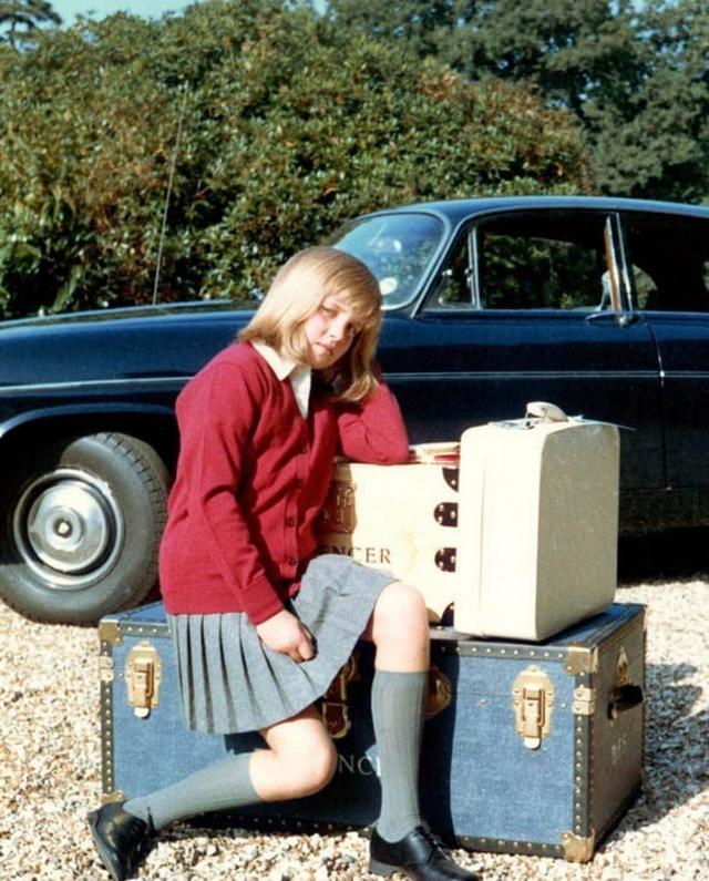 1971_princess_diana_on_her_way_to_boarding_school_riddlesworth_hall.jpg