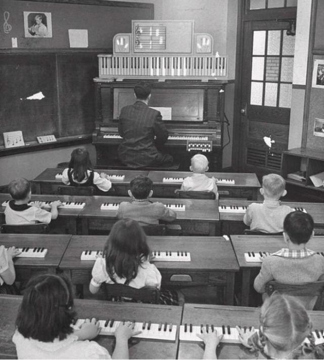 1947_zongoraora_usa.jpeg