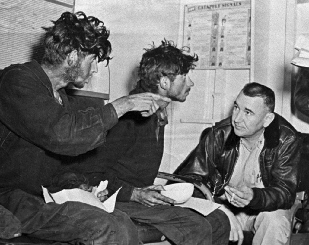 1960_amerikai_hajo_altal_megmentett_szovjet_hajotorottek_urup_kuril_vihar_hazatertek.jpeg