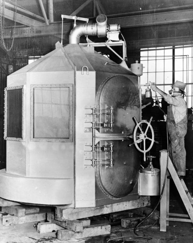 1938_san_quentin_gas_chamber_built_by_eaton_metal_products_denver.jpg