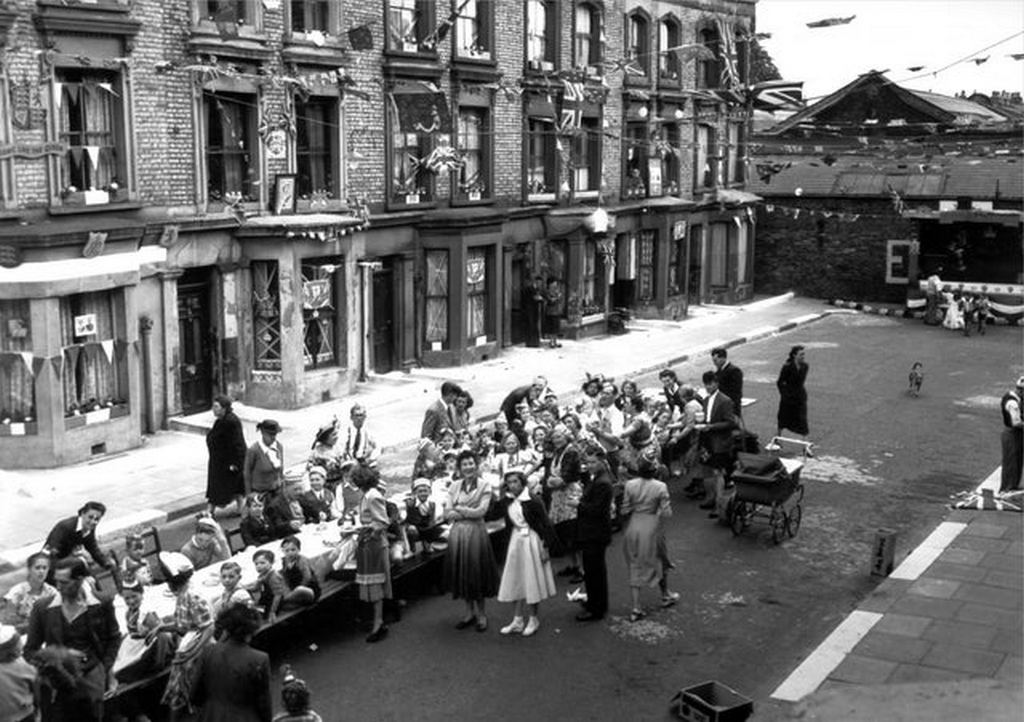 1953_street_party_at_rillington_place_in_london.jpg