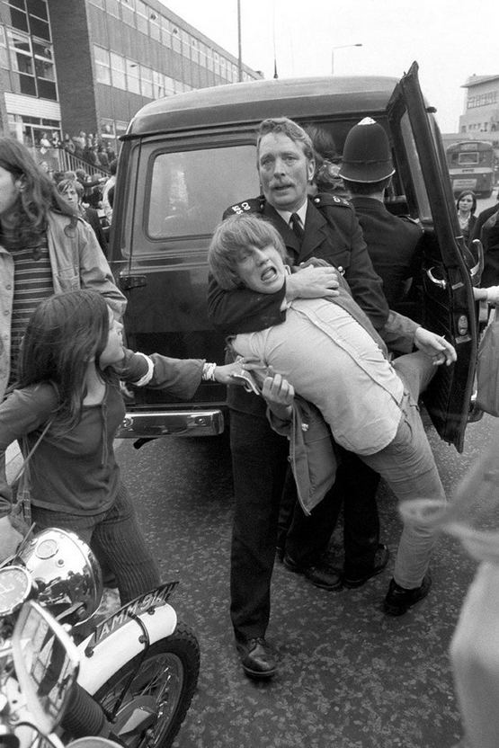 1971_a_policeman_restrains_a_schoolchildren_outside_county_hall_in_lambeth_where_schoolchildren_were_demonstrating_in_support_of_the_demands_put_forward_by_the_schools_action_union.jpg