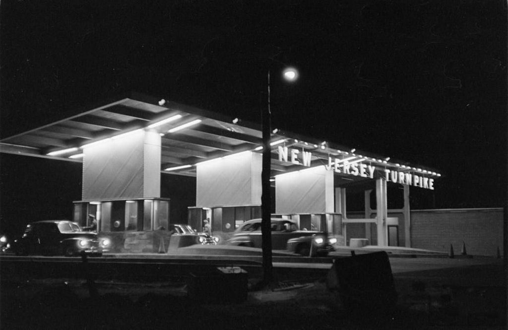 1951_toll_plaza_of_the_new_jersey_turnpike_at_night.jpg