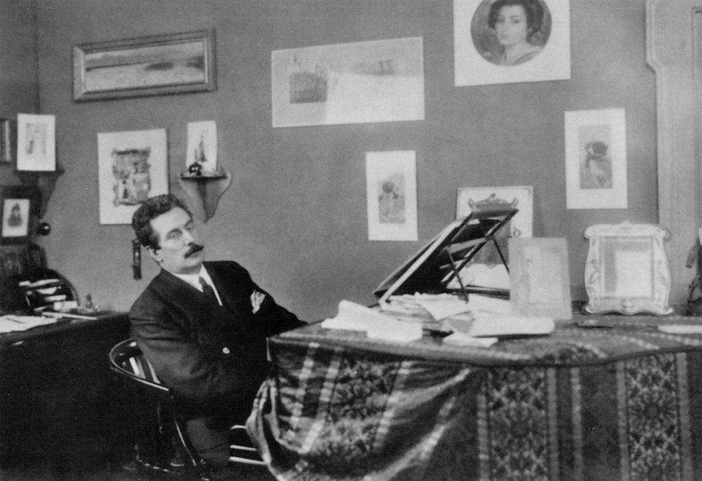 1906_composer_giacomo_puccini_at_the_piano.jpg