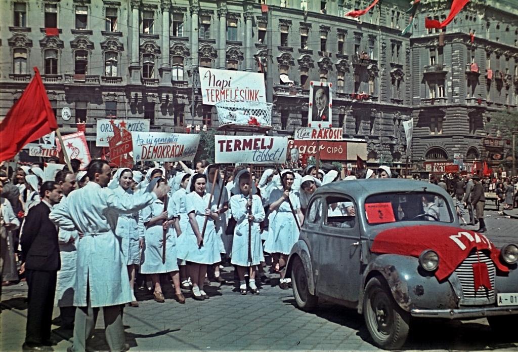 1946_majus_1_marx_ter.jpg