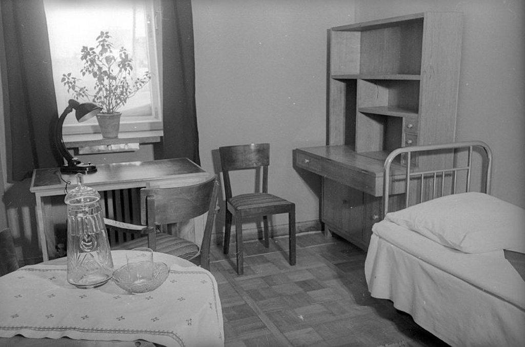 1953_kozonseges_szoba_a_moszkvai_allami_egyetem_kollegiumaban.jpeg