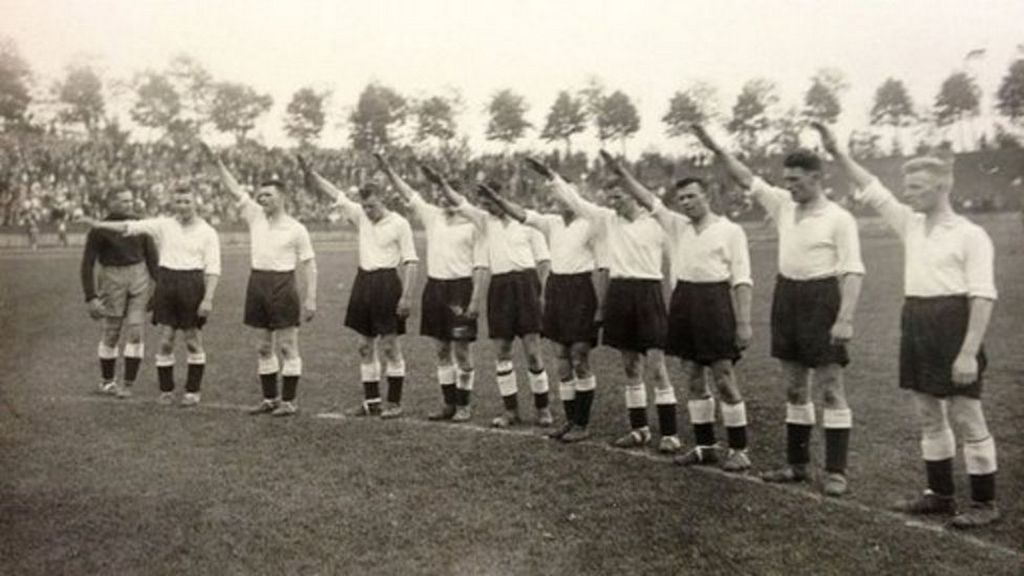 1934_goalkeeper_jack_kirby_refuses_to_give_nazi_salute_the_photo_was_taken_when_derby_county_travelled_to_germany_to_play_four_soccer_matches_in_different_cities_against_german_teams.jpg