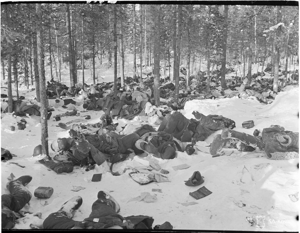 1940_aftermath_of_a_finnish_motti_attack_near_lake_ladoga_with_approximately_400_dead_russians.jpg