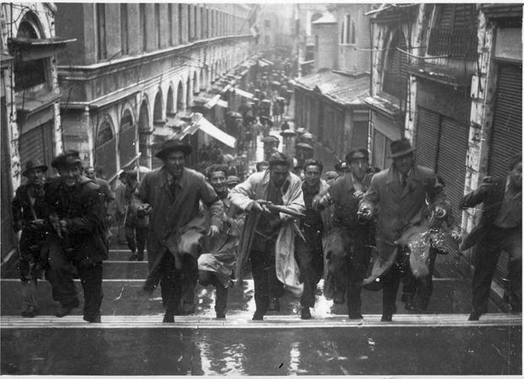 1945_italian_partisans_in_the_streets_of_venice_hours_before_the_liberation_of_italy_venice.jpg