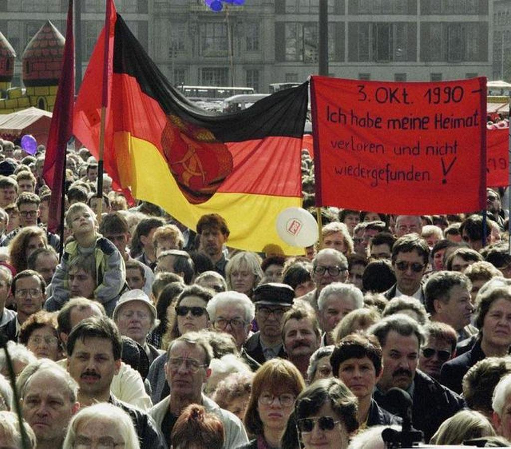 1991_rally_for_socialism_and_the_gdr.jpg