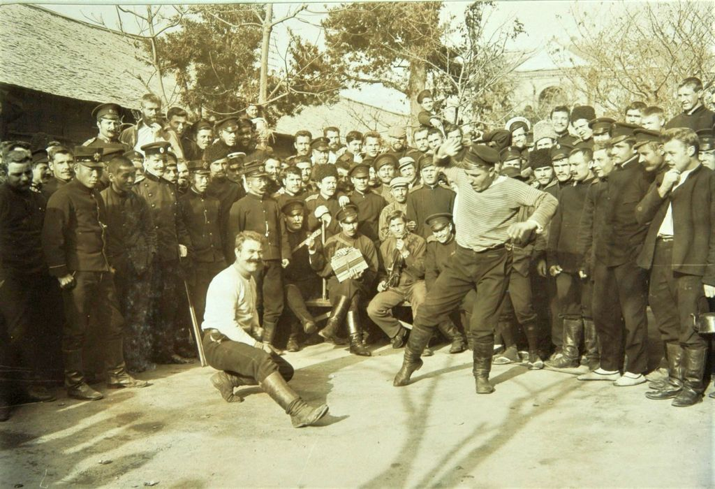 1905_russian_prisoners_of_war_during_the_1904-1905_russo-japanese_war_at_a_pow_camp_in_japan.jpg