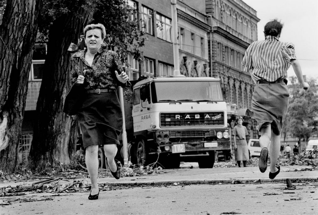 1992_women_run_for_their_lives_across_sniper_alley_during_the_siege_of_sarajevo.jpg