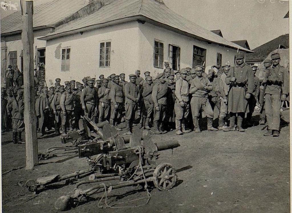 1915_tsarist_prisoners_in_austro-hungarian_captivity.jpg
