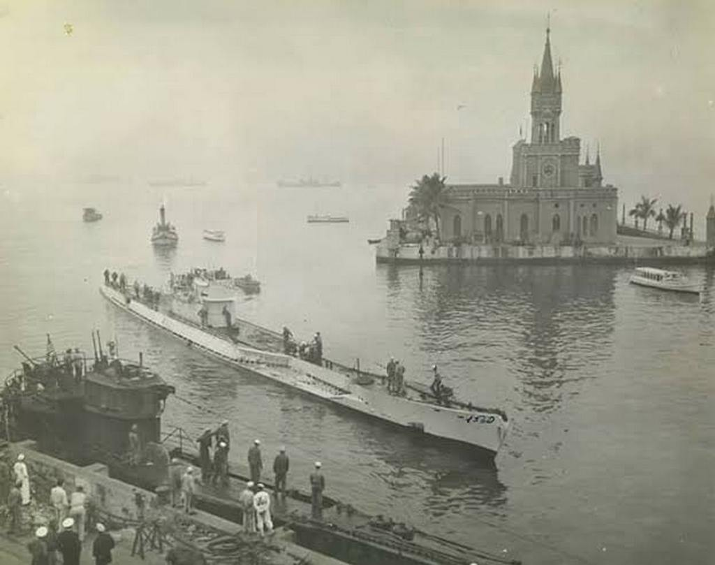 1945_german_submarines_u-530_and_u-977_surrendering_in_rio_de_janeiro.jpg