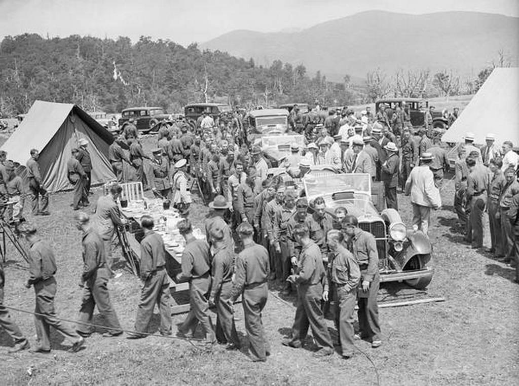 1933_roosevelt_in_camp_big_meadows_shenandoah_valley_virginia.jpg