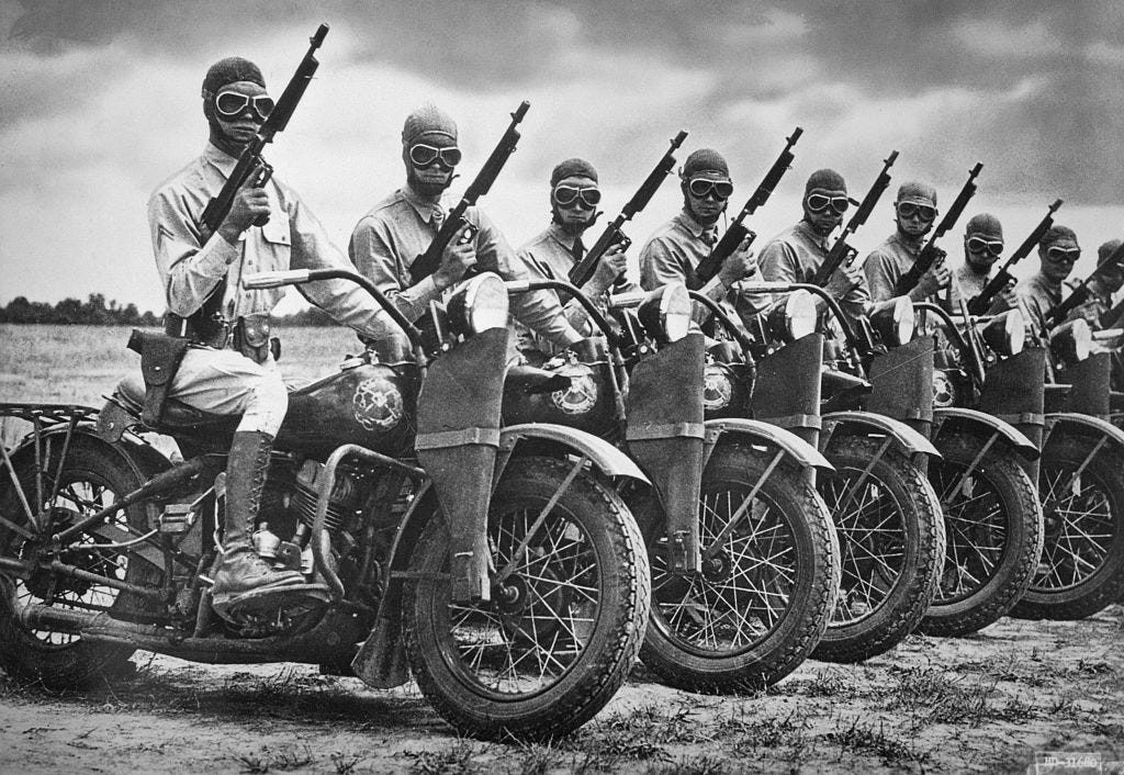 1942_the_harley-davidson_motor_co_built_more_than_90_000_motorcycles_during_world_war_ii_for_the_armed_forces.jpg