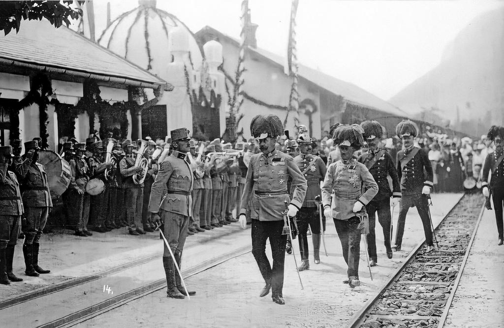 1914_military_ceremony_for_archduke_franz_ferdinand_and_his_officers_upon_arrival_in_bosnia.jpg