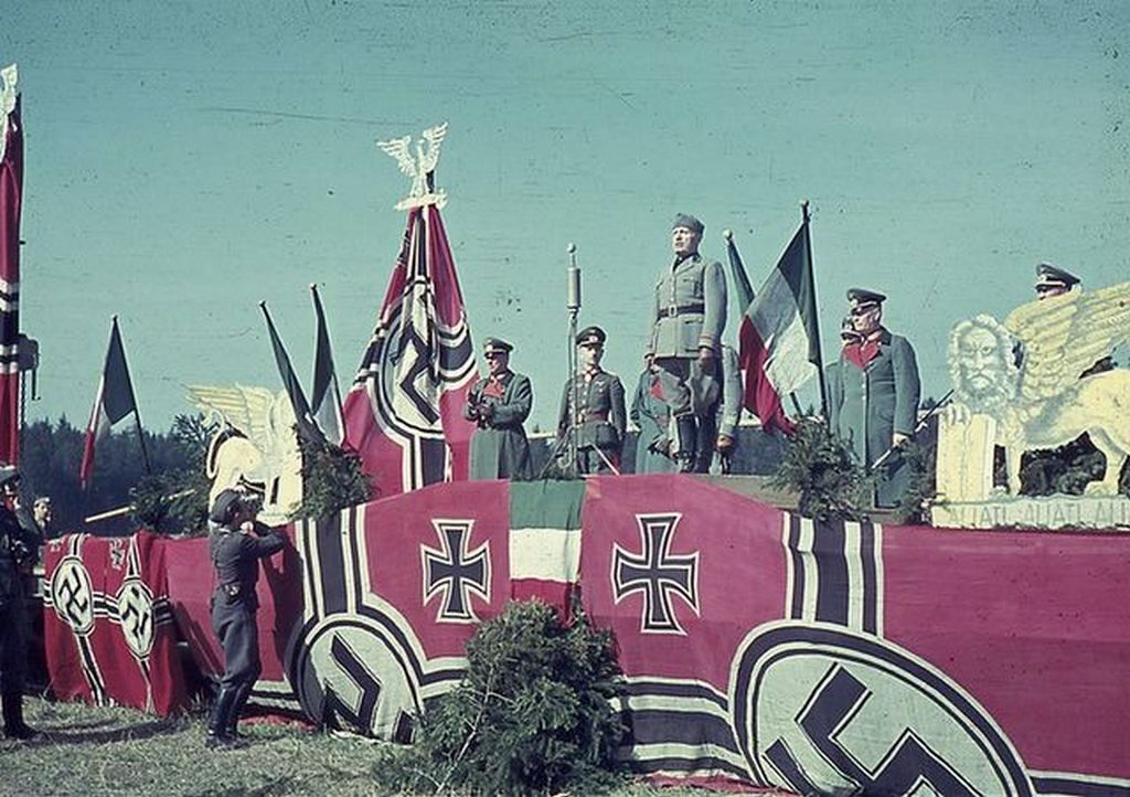 1941_mussolini_on_the_eastern_front.jpg