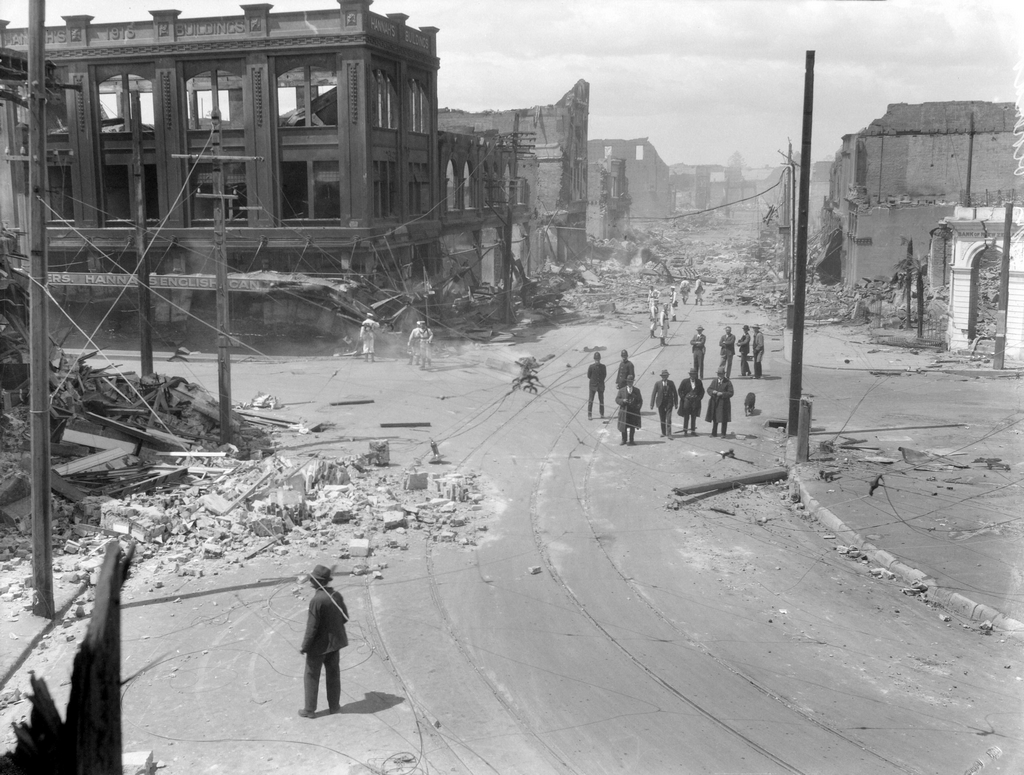 1931_hastings_street_and_browning_street_in_napier_new_zealand_photographed_after_the_1931_hawke_s_bay_earthquake.png