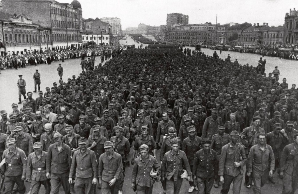 1944_german_prisoners_being_marched_through_moscow.jpg
