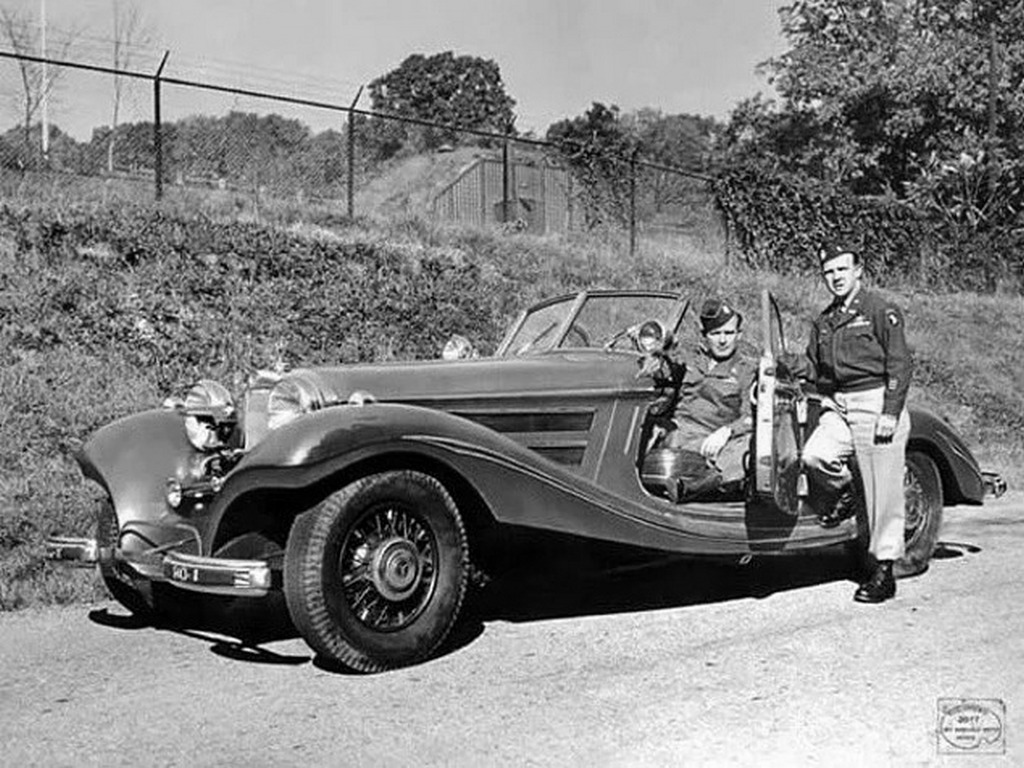 1945_american_soldiers_posing_with_a_mercedes_540k_that_belonged_to_luftwaffe_commander-in-chief_hermann_goring.jpg