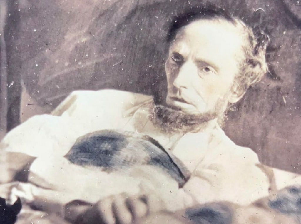 1865_the_last_photo_of_president_abraham_lincoln_henry_ulke_a_professional_photographer_and_tenant_in_the_boarding_house_where_lincoln_was_carried_after_being_shot_took_the_photo.jpg